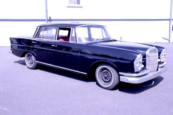 Mercedes W111 220S BJ 1963 zum Restaurieren