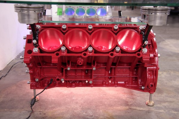 exklusiver Motortisch Mercedes S500 V8 mit 2 Glasplatten und Beleuchtung