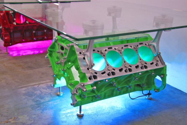 exklusiver Motortisch BMW F10 550Xi V8 mit 2 Glasplatten und Beleuchtung