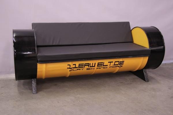Sitzbank - Sofa - aus Öltonnen für Motorsportfans